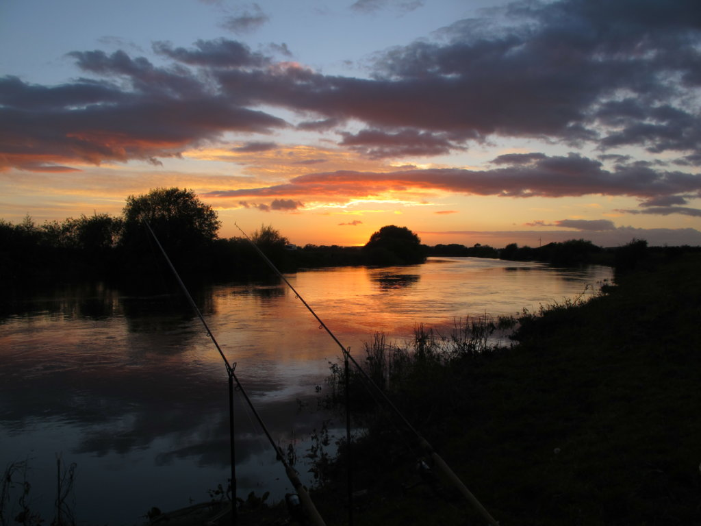 Dusk on the Trent at Winthorpe Sept 2012.JPG